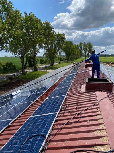 Solarreinigung der Gebäudereinigung Berlin